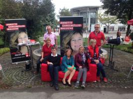 Landtagskandidatin Ganssmüller-Maluche mit einigen Mitgliedern der SPD OSH