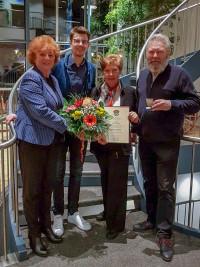 Brigitte Scholle mit Altbürgermeisterin Elisabeth Ziegler, OV-Vorsitzenden Maximilian Weiß und dem Bürgermeisterkandidaten Harald Müller