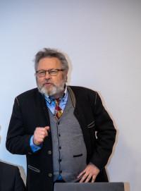 Bürgermeisterkandidat Harald Müller bei seinem einführenden Statement